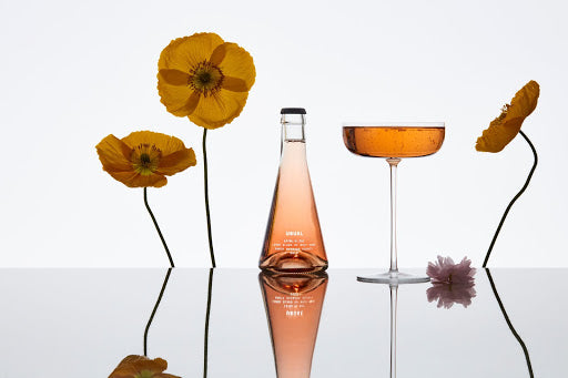 Sparkling Rosé: Usual rosé with flowers