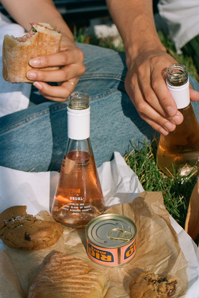 Is wine acidic: Usual Wines rose with picnic