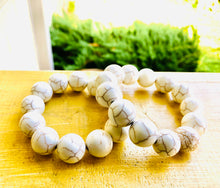 Load image into Gallery viewer, White Howlite 16mm Unisex Bracelet