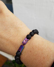 Load image into Gallery viewer, Unisex Gold and purple Hematite Arrow & Lava Diffuser Stone Bracelet