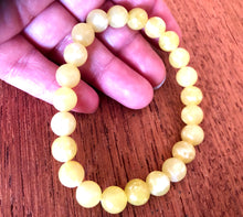 Load image into Gallery viewer, Pretty Lemon Jade 8mm Bracelet
