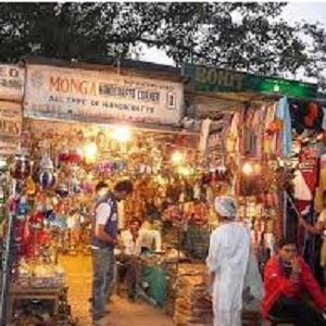 What To Buy When in New Delhi