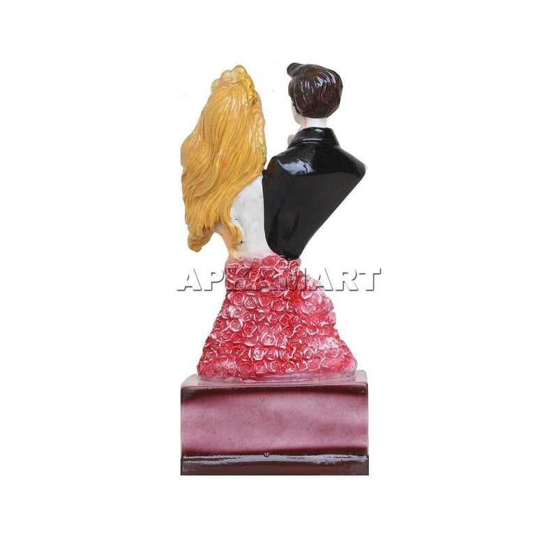 APKAMART Love Couple Statue Showpiece