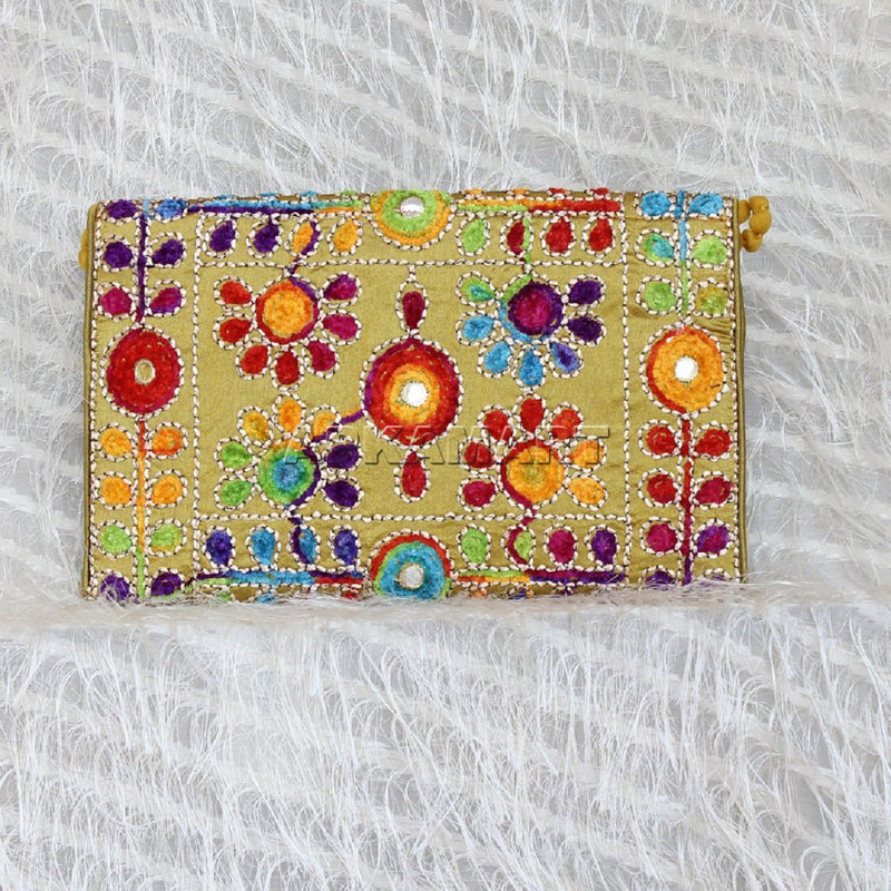 APKAMART Multicolour Women Clutch