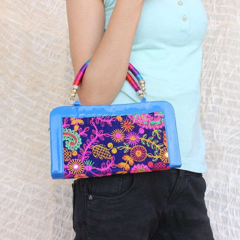 APKAMART Stylish Casual Clutch