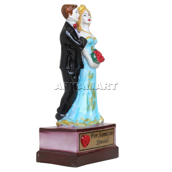 APKAMART Wedding Couple Showpiece