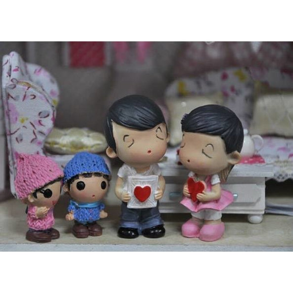 Family Of Four Resin Figures