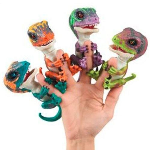 Fingerlings Dinosaur Untamed (sold separately)