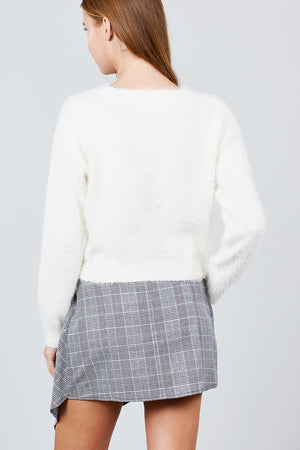 Cozy Crop Sweater  Material: 50% Acrylic 50% Nylon Sleeve Length: Long Neckline: Round Neck Type: Crop Sweater, off white color