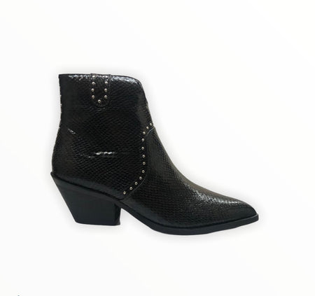 Black chunky sole Boot