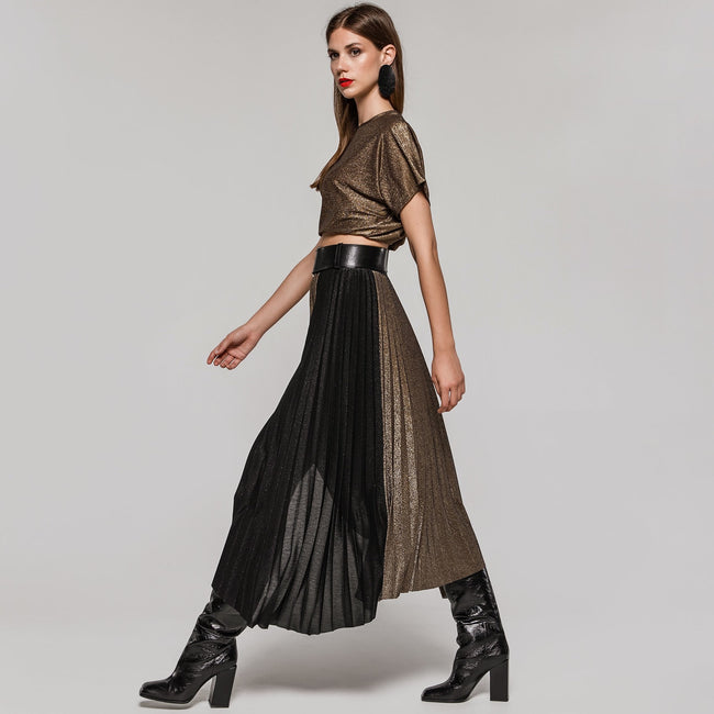 Access 6020 black and gold pleated skit