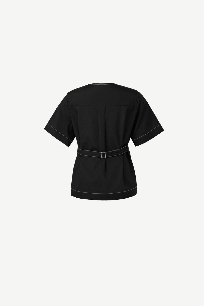 6-button shoulder shirt in black