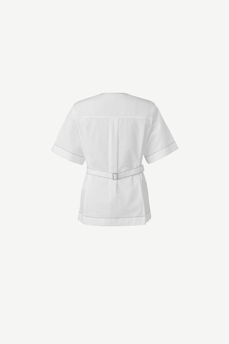 6-button shoulder shirt in white