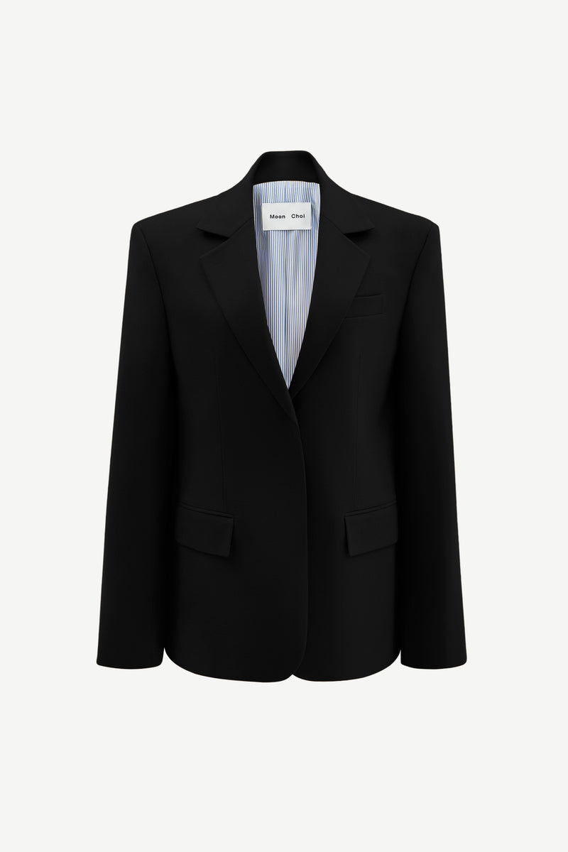 Wide-shoulder virgin wool blazer in black