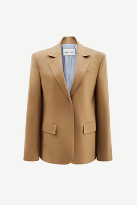 Wide-shoulder wool blazer in tan