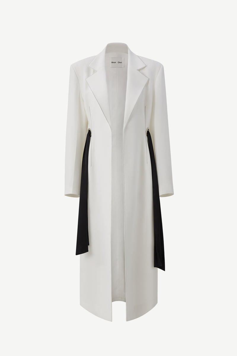 Wide shoulder eyelet coat in white