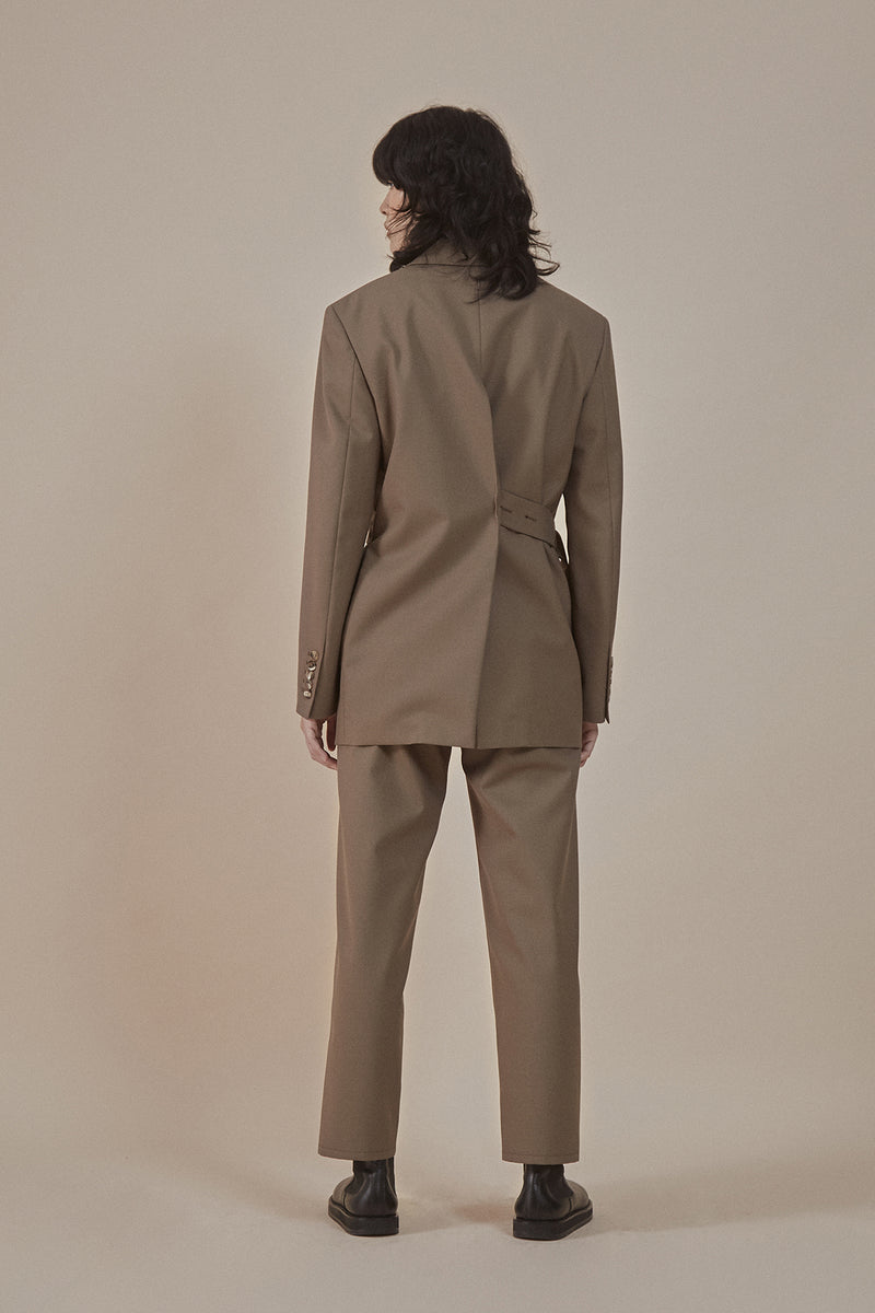 [50% OFF] Taupe | Center back slit tailored blazer