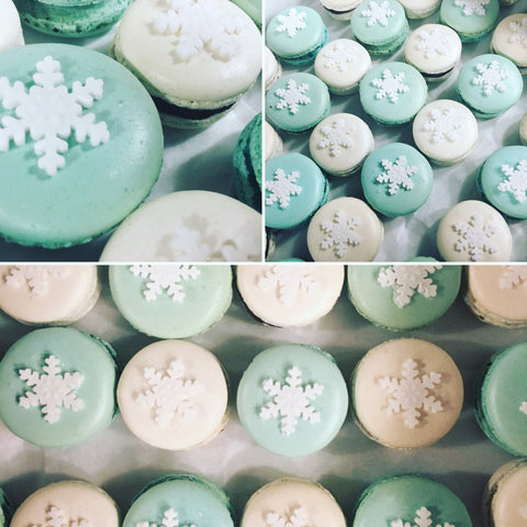 Frozen themed macarons