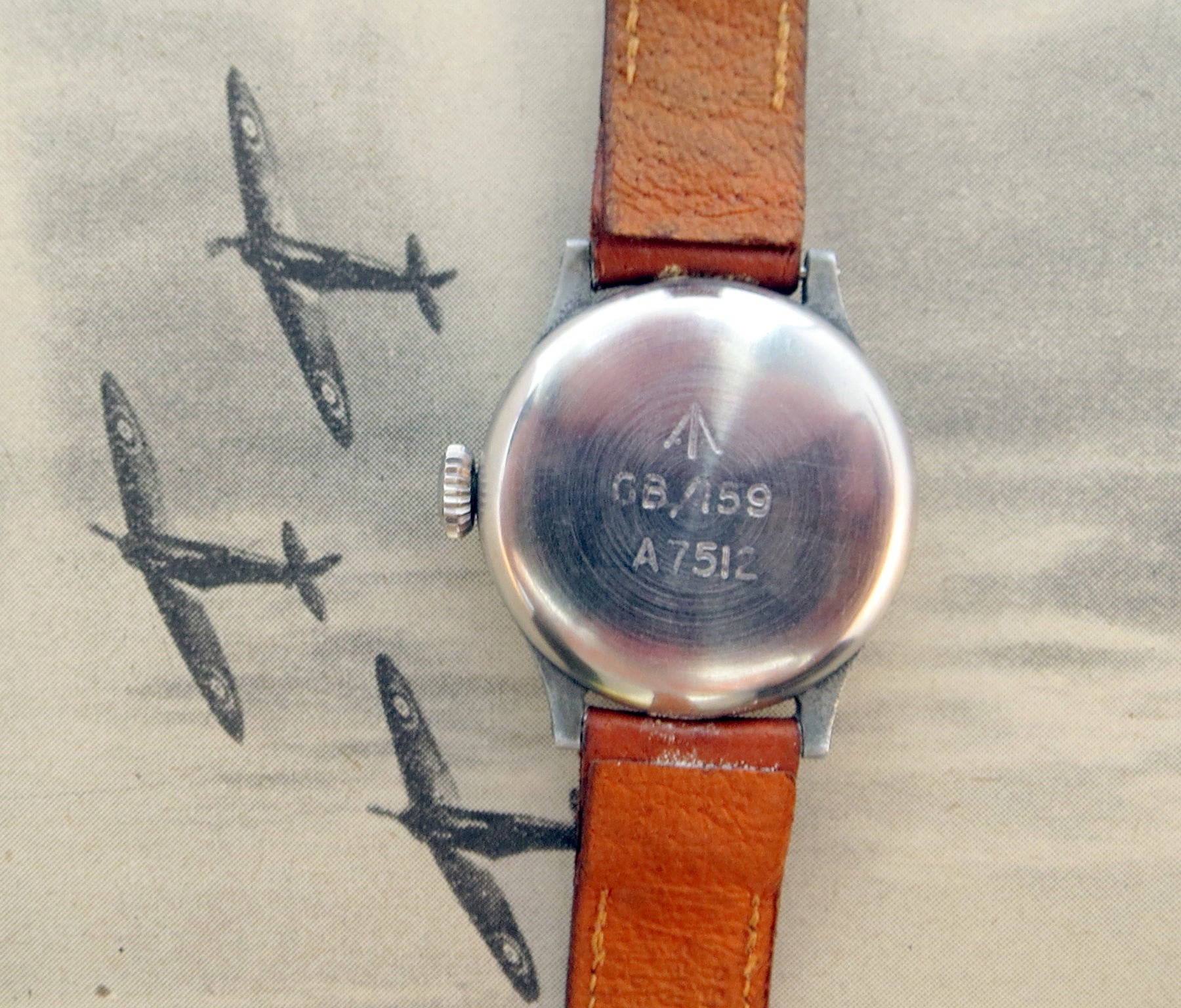 Reverse of the 1943 Longines RAF issue 6B/159. Whilst the case was made out of aluminium alloy, the case back is stainless steel for corrosion resistance.