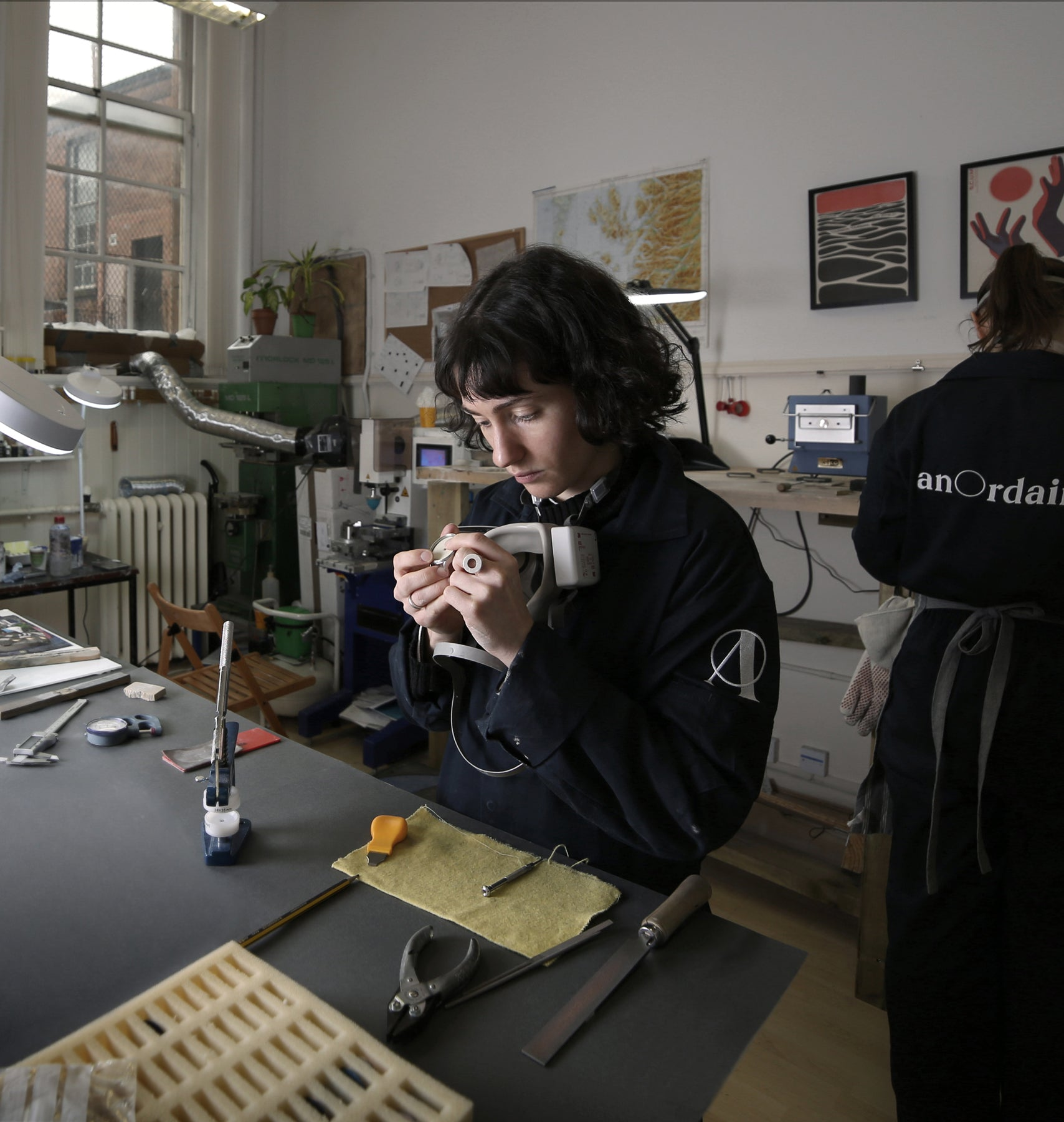 anOrdain's Glasgow workshop in which watch-making, enameling and pad-printing occur
