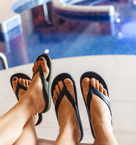 Poolside sandals with arch support