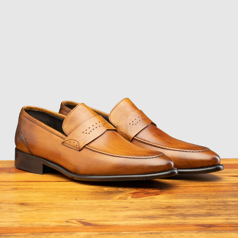 Calzoleria Toscana Wholecut Slip-On | Q540