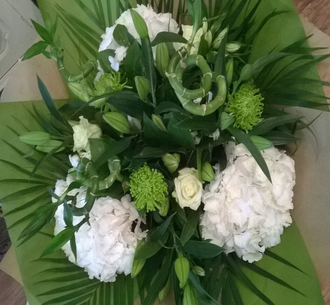 Purity Bouquet, Country Chic @ Alderley Edge,Flower delivery, online flowers, order flowers online, floral design, flower shop cheshire, cheshire florist, alderley edge flowers, Flower Delivery, Flowers in Alderley Edge, Florist in Alderley Edge, Florist in Cheshire, Flowers in Cheshire