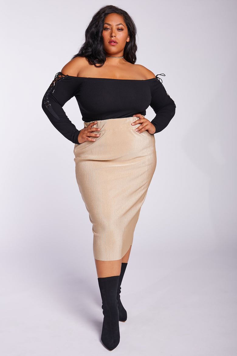 The Ribbed Pencil Skirt