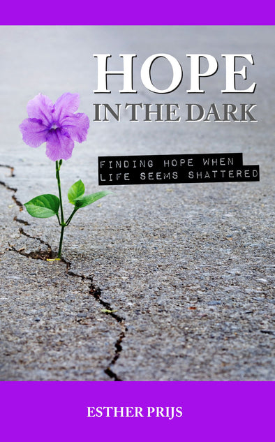 Hope in the dark - Esther Prijs (Paperback)