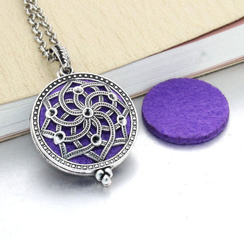 Vintage Lotus Overlap Essential Oil Diffuser Locket Necklace with 1 Easy-Switch Oil Pad