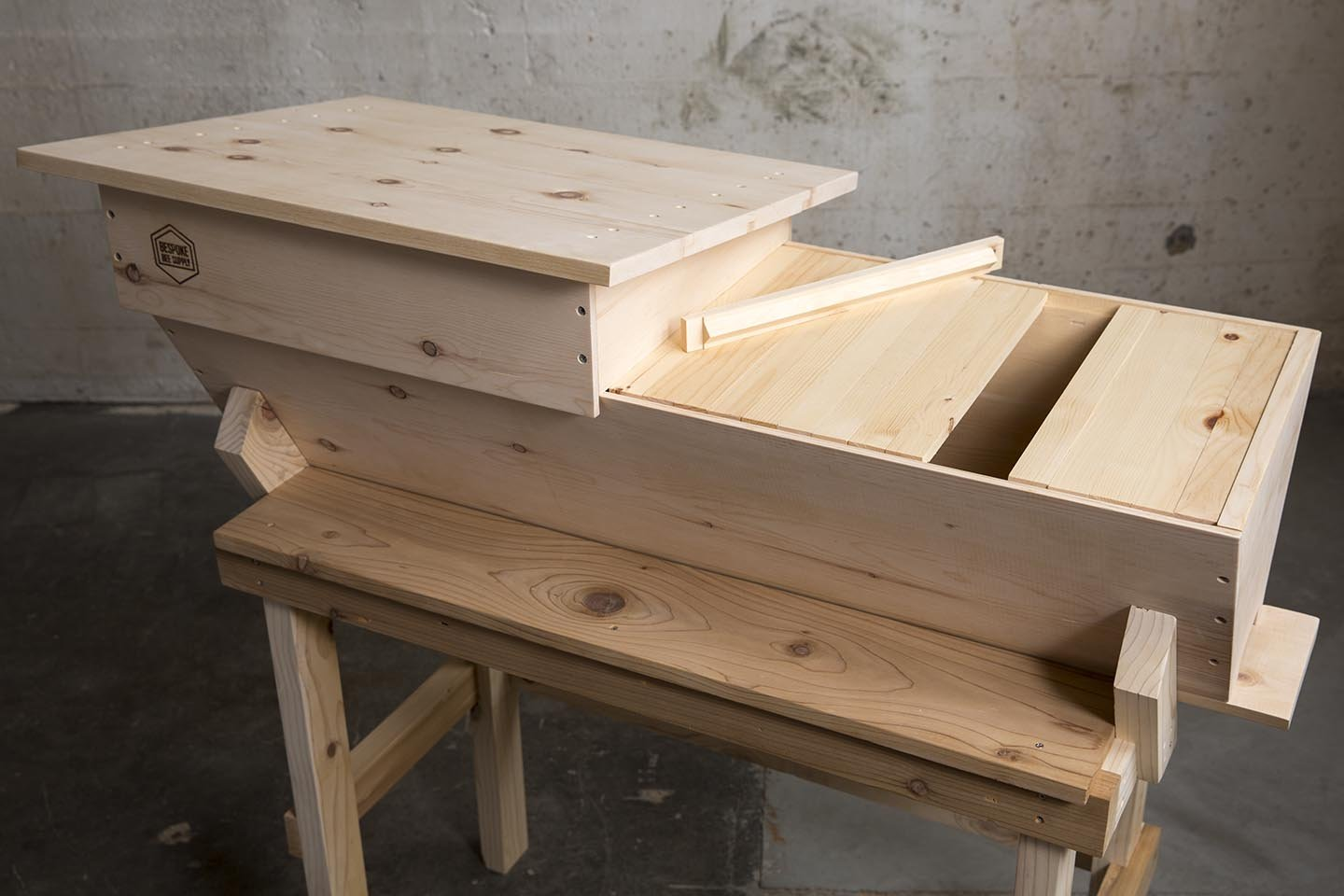 Hive Stand Designs : Top bar hive sugar pine