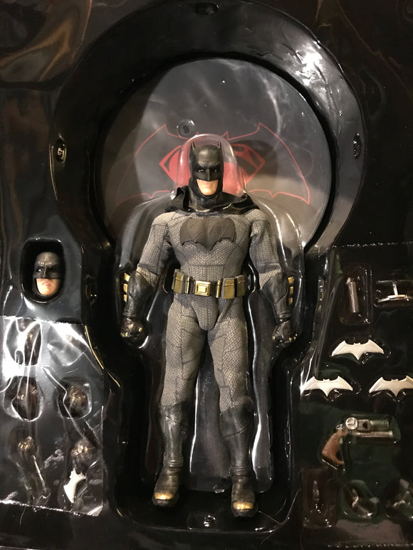 Mezco DC Batman One:12 Collective 6