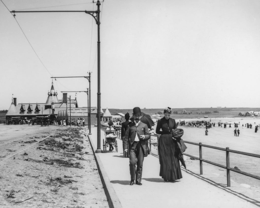 Promenade at Newport's Easton's Beach c. 1899