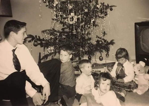 These Vintage Photos From CCC Fans Are Giving Us All The Retro Holiday Feels