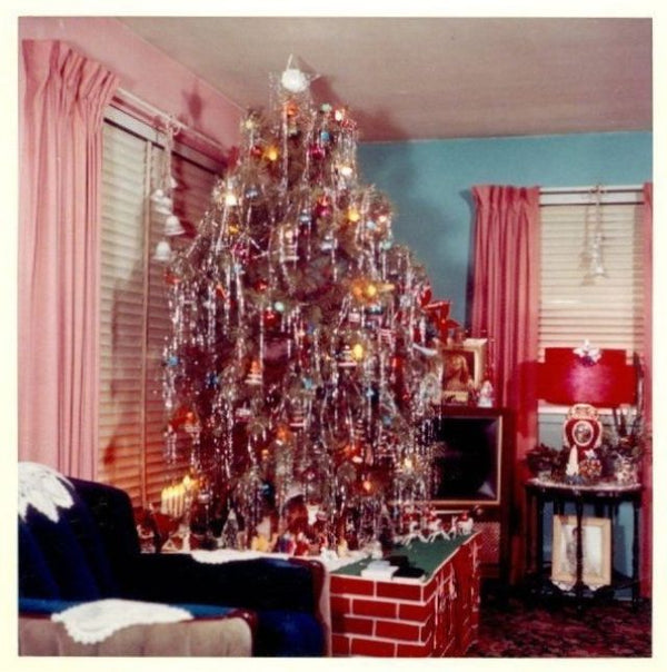 Four 1950s Holiday Decor Trends That Need A Revival