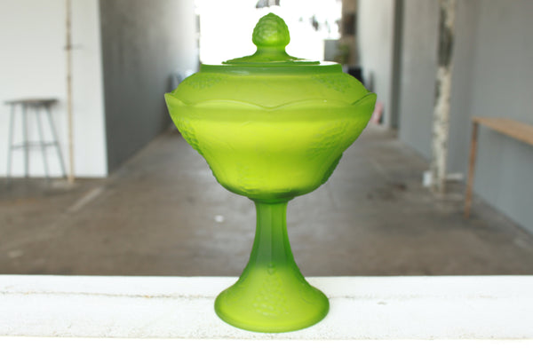 Satin Lime Harvest Grape Candy Dish Candle