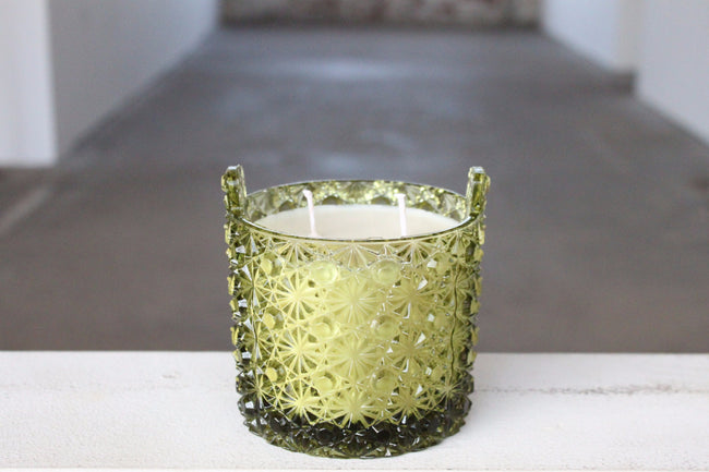 Dark Green Daisy And Button Dish Candle