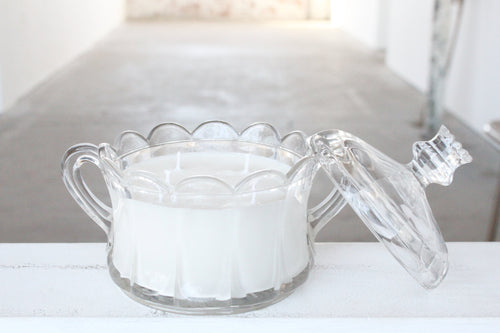 Detailed Clear Glass Dish Candle