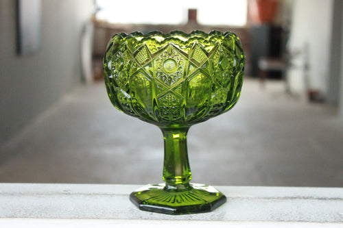 Pick the Scent - Detailed Green Pedestal Bowl Candle