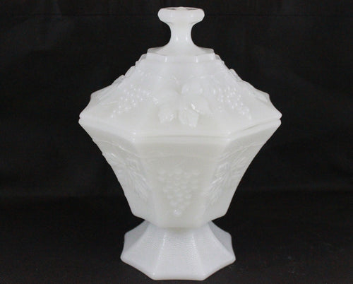 Pick the Scent - Octagon Harvest Grape Milk Glass Candle