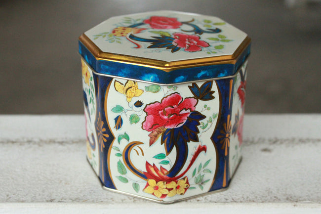 Pick the Scent - Vintage Floral Tin Candle