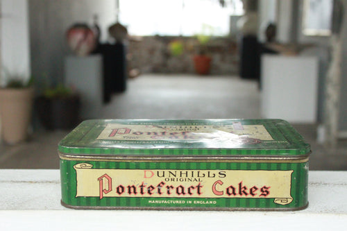 Pick the Scent - Dunhill's Pontefract Cakes Tin Candle