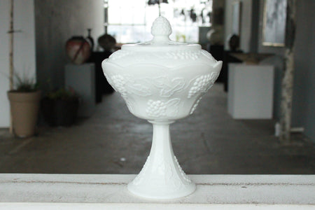 Pick the Scent - Milk Glass Hen Candy Dish w/ Red Details Candle