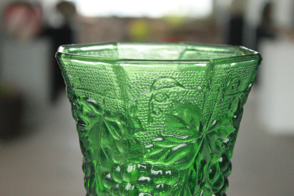 Pick the Scent - Emerald Harvest Grape Glass Candle