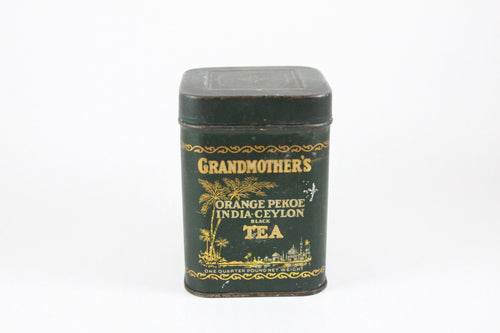 Pick the Scent -  Small Green Grandmother's Tea Tin Candle