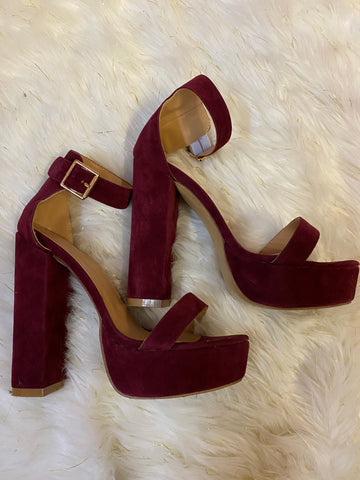 RED BUCKLE HEELS ~ SIZE 11