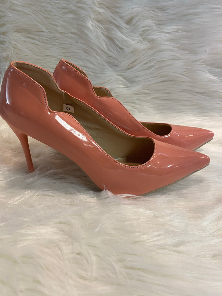 PATENT LEATHER PEACH HEELS ~ SIZE 11