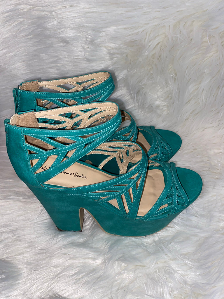 GREEN SUEDE PLATFORM SANDALS ~ SIZE 10