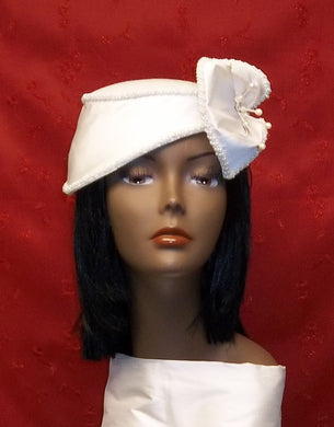 Ivory/Off white Cocktail Hat