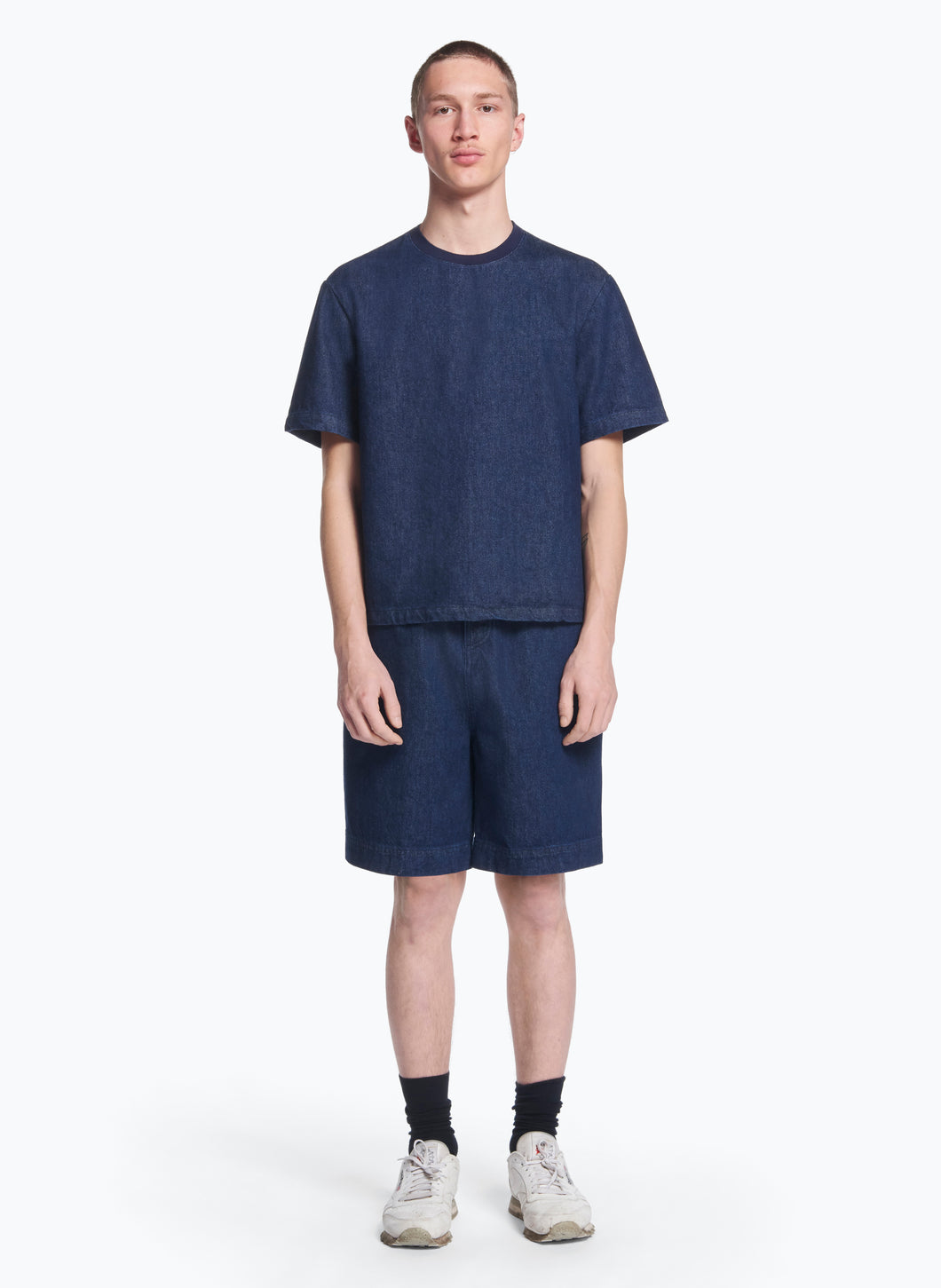 Short Sleeve T-Shirt with Edge-Ribbed Collar in Rinsed Denim